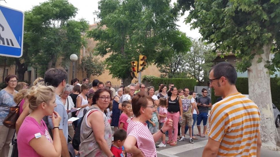 Veïns de Montbui tallen la carretera en protesta pel tancament de Montxic