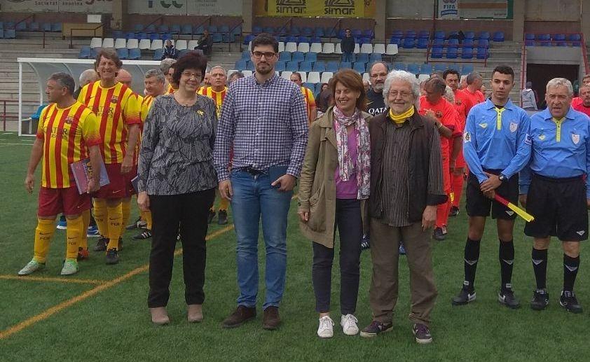 Josep Maria Talló rep l'afecte i el reconeixement del futbol anoienc