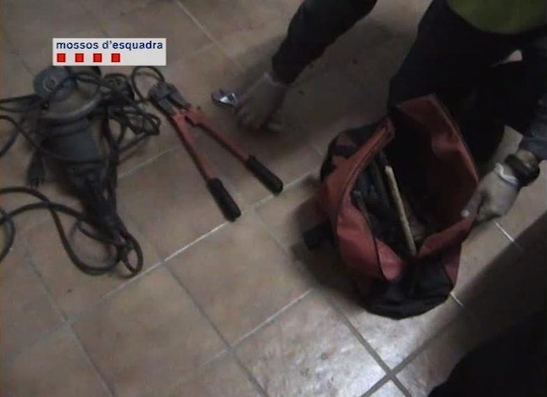 Els Mossos detenen quatre veïns de Masquefa i Barcelona per ... - anoiadiari·cat