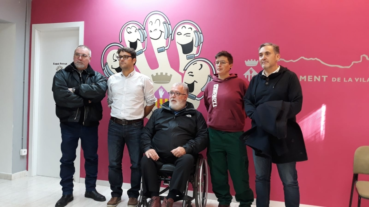 Unitat inèdita. D'esquerra a dreta, els representants de PP, PSC, PDECAT, CUP i ERC