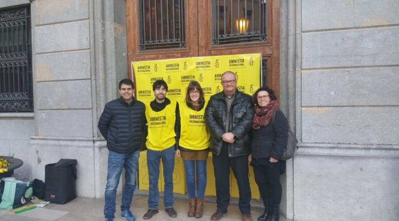 Imatge de l'acció duta a terme per Amnistia Internacional Anoia.