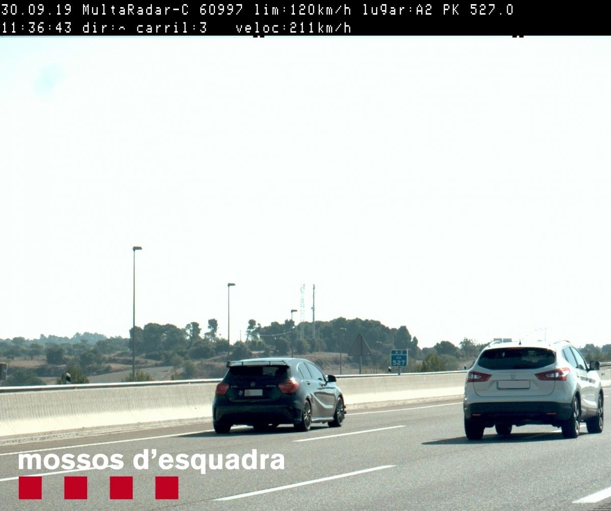La fotografia que van fer al cotxe que rebassava els 200 km/h