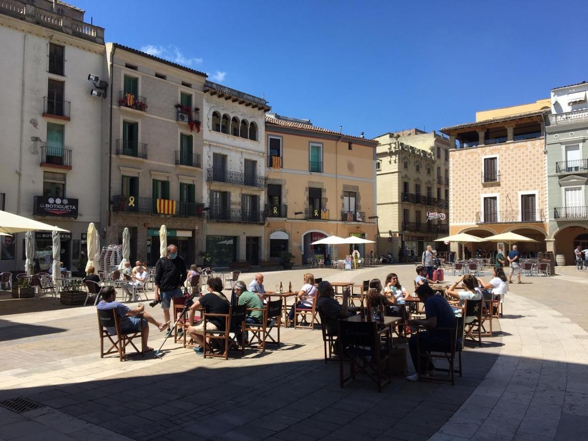 Una de les terrasses obertes, a la Plaça de l'Ajuntament FOTO: TCM