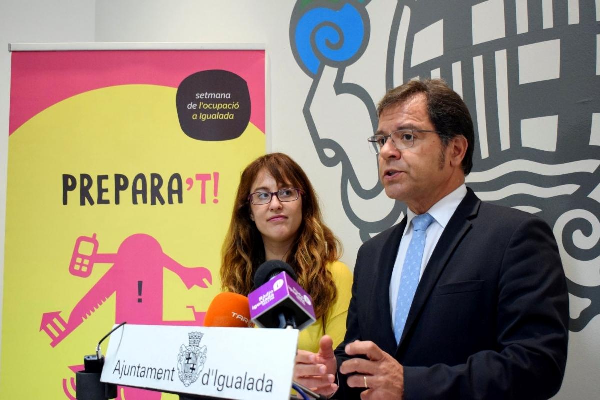 La regidora Patrícia Illa i el president de la UEA, Blai Paco