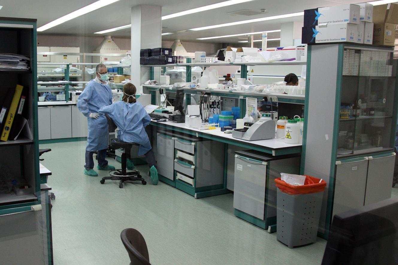 El laboratori de recerca de la sida IRSICAIXA, a l´hospital Germans Trias i Pujol de Badalona. - ACN