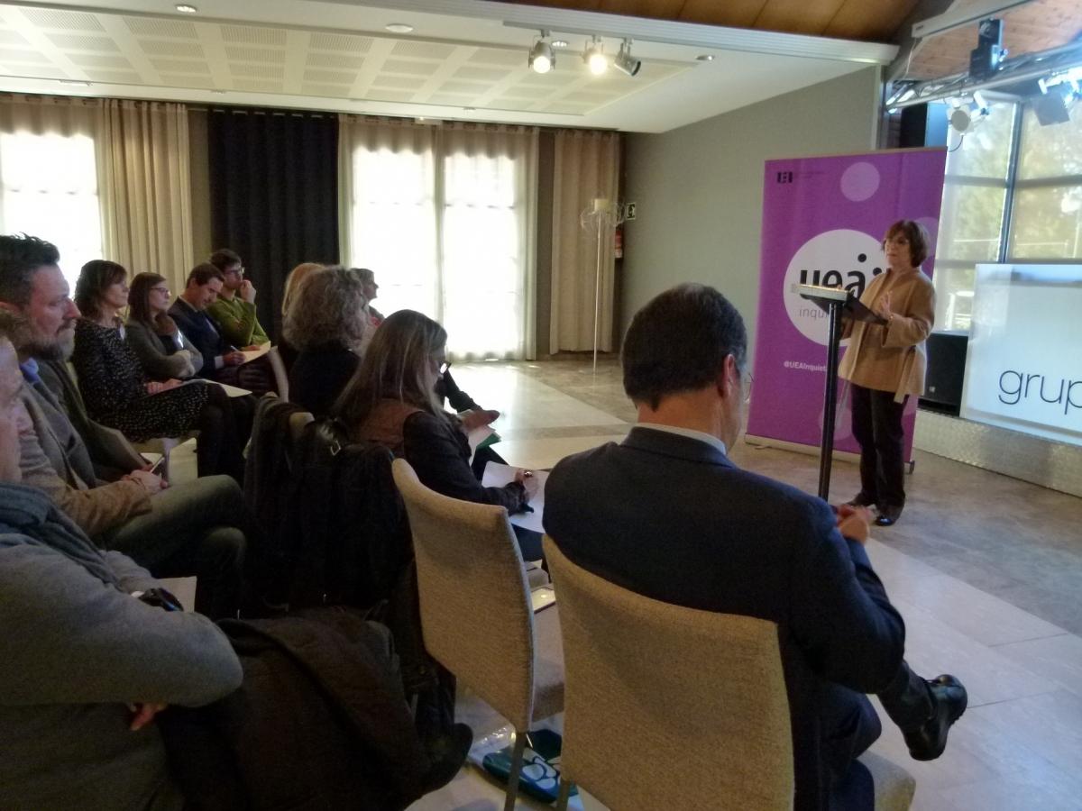 Joana Amat, en la seva xerrada a la Comissió UEA Inquieta