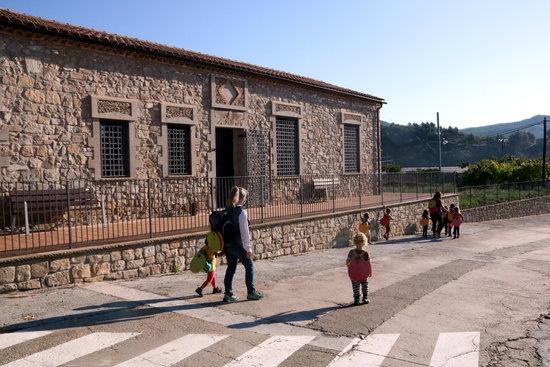 L'entrada a l'Escola de Rubió FOTO: ACN