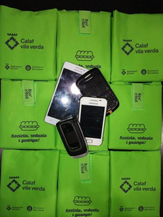 Mòbils de Calaf per a una campanya a Àfrica