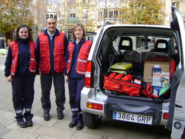 El personal i la unitat mòbil amb el material per la Teleassistència