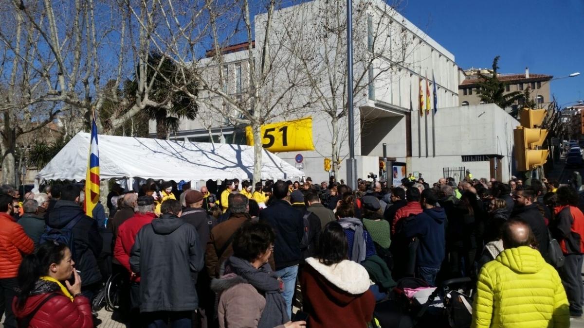 Una concentració davant els jutjats pel cas dels 51