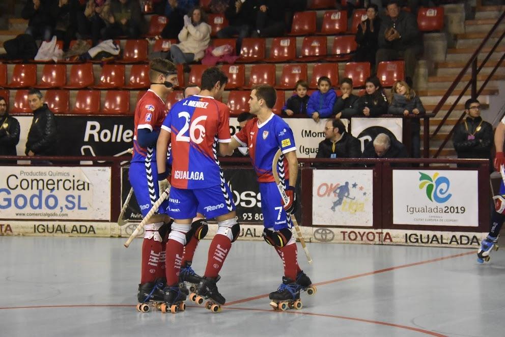 Els jugadors igualadinistes, en una imatge del partit a Les Comes contra l'Alcoi