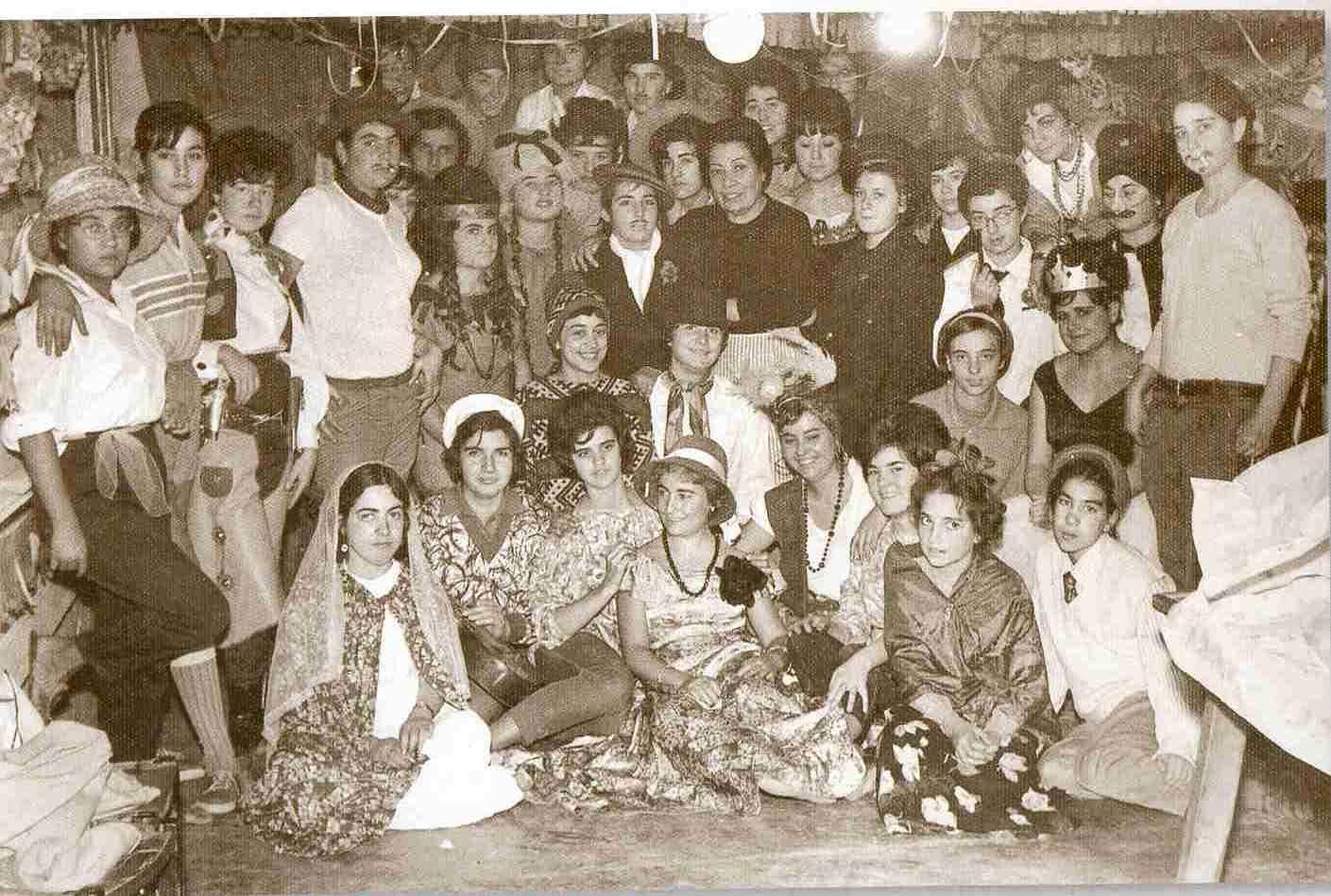 """Imatge de la festa de Santa Llúcia del llibre """"Igualada recull gràfic 1870-1965"""""""