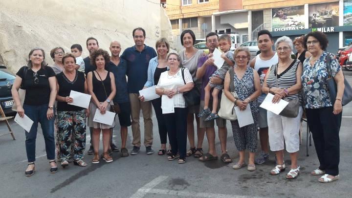 El regidor Palacios i l'alcaldessa, flanquejats dels guanyadors