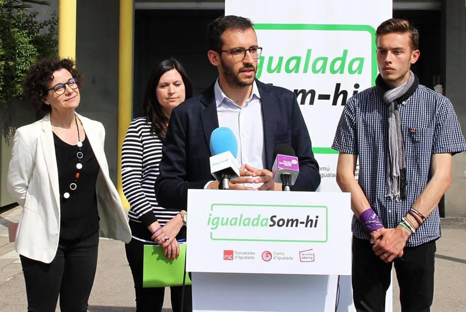 El portaveu de Som-hi, Jordi Cuadras, en una compareixença davant els mitjans