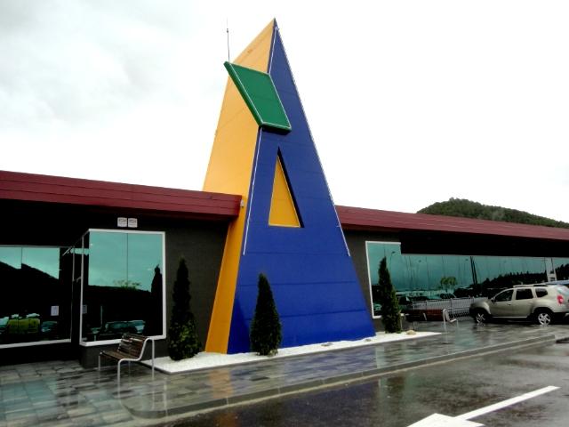 El centre comercial s'emplaça en un a superfície de 5,5 hectàrees