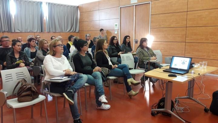 La xerrada va tenir lloc al Centre Cívic La Pau