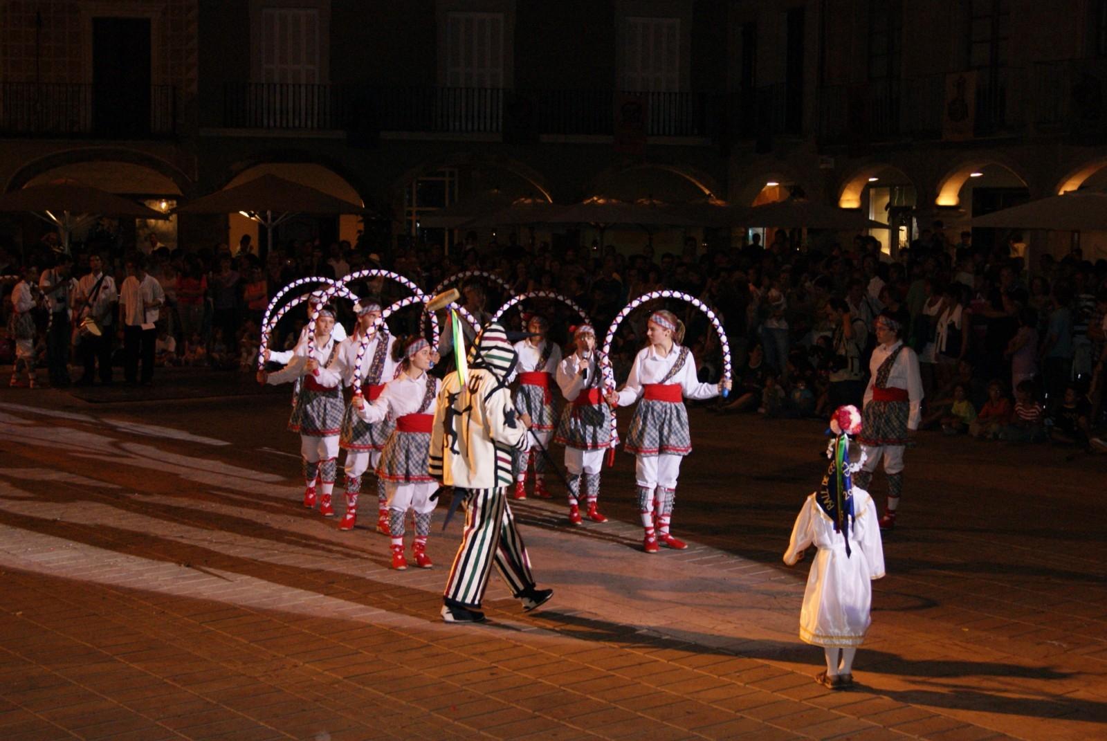 El Ball dels Cercolets, a la plaça de l'Ajuntament