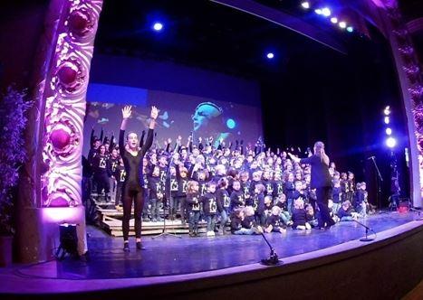 L'emotiva cantada de nadales, el dia 23 al Teatre Municipal l'Ateneu