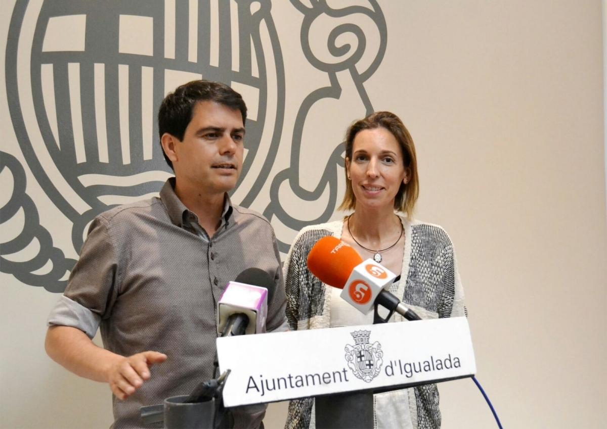 Marc Castells i Àngels Chacón, davant els mitjans, aquest dimecres