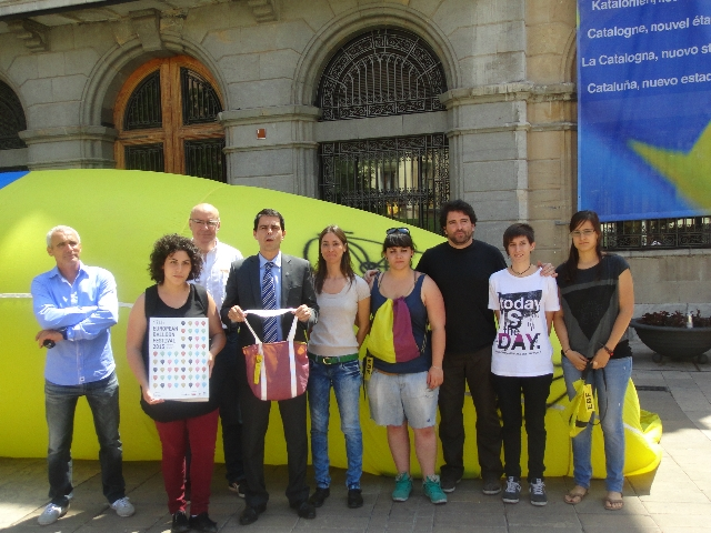Presentació de l'European Balloon Festival 2013 a la Plaça de l'Ajuntament aquest migdia