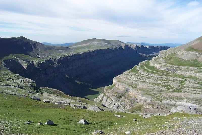 El Mont Perdut, en la seva zona d'Esparrets