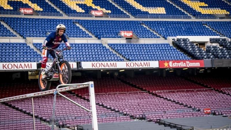 Bou, per sobre de la porteria FOTO: FC Barcelona