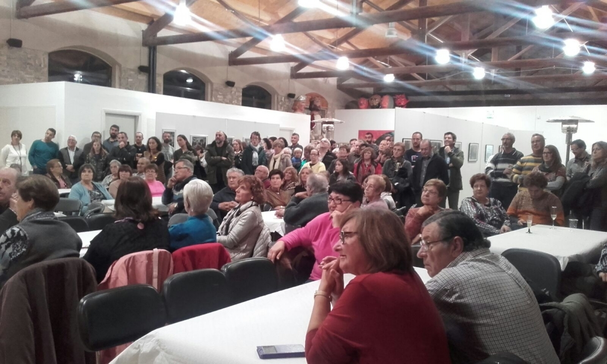 La sala, plena per aquest acte de Festa Major d'hivern
