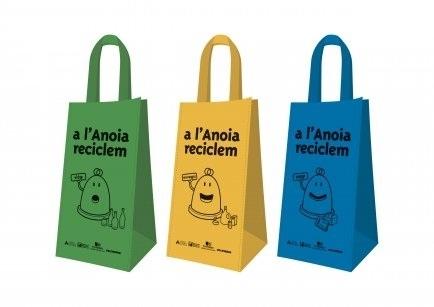 Les bosses repartides pel Consell en una campanya de reciclatge