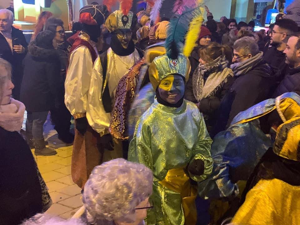 Un grup de patges, durant la nit del 5 de gener a Vallbona FOTO: Cup Vallbona