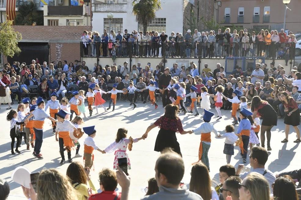 El ball de crespelles, una de les manifestacions icòniques de la Festa Major d'Òdena