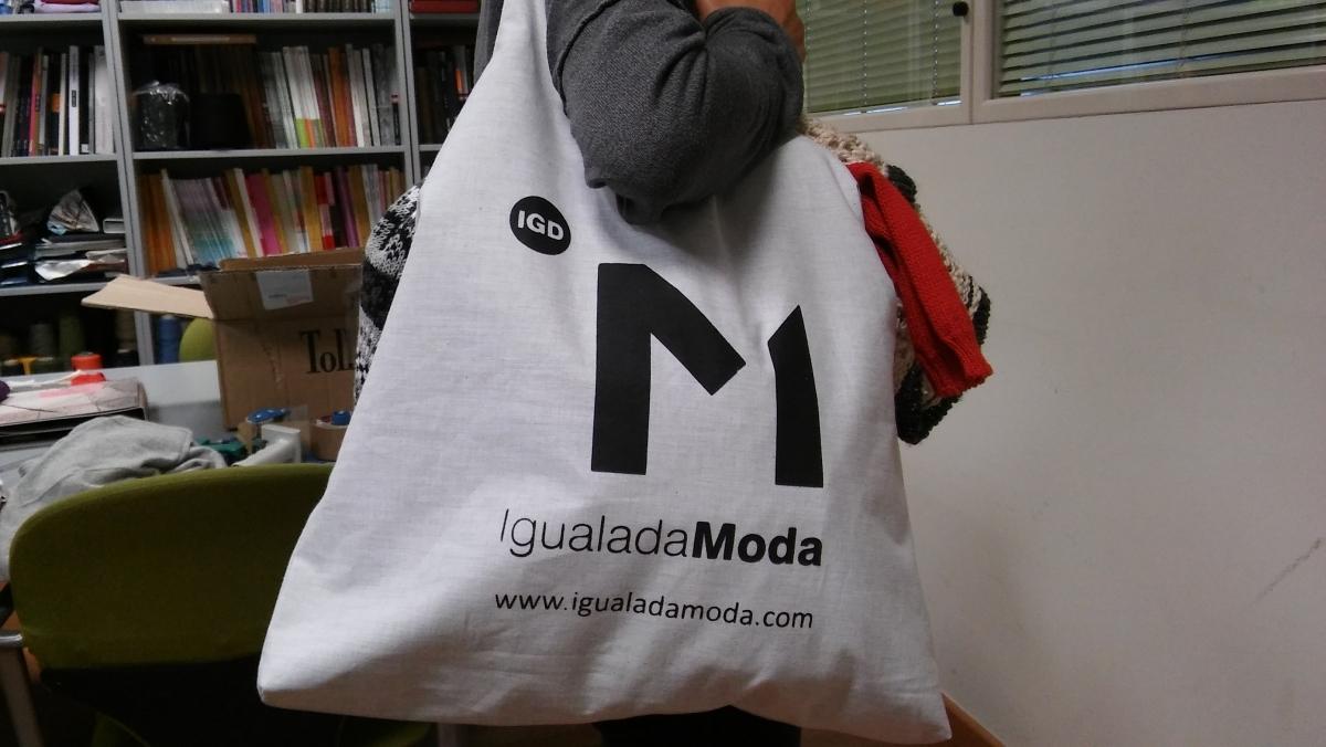 La bossa que es repartirà als comerços