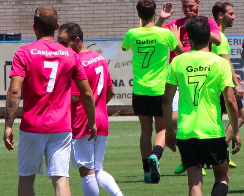 Les samarretes recordaven als jugadors homenatjats.