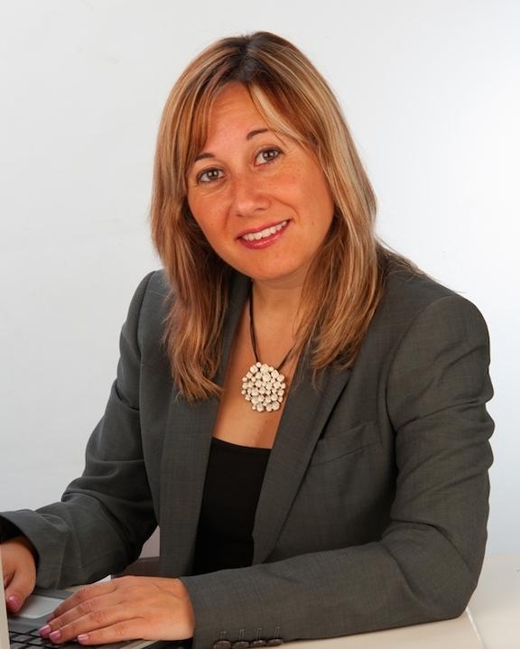 La ponent, Mònica Mendoza