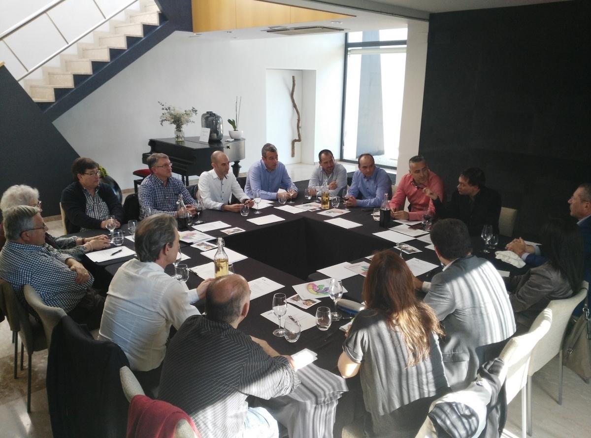 La reunió de les persones vinculades al sector, al Kubb, de Sant Jaume Sesoliveres