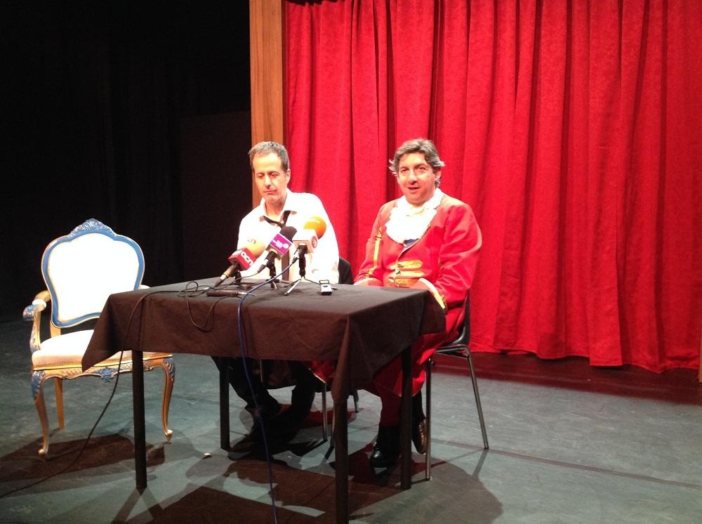 """Joan Valentí i Robert Gobern presenten """"La Butaca"""" en una roda de premsa al teatre de l'Aurora"""