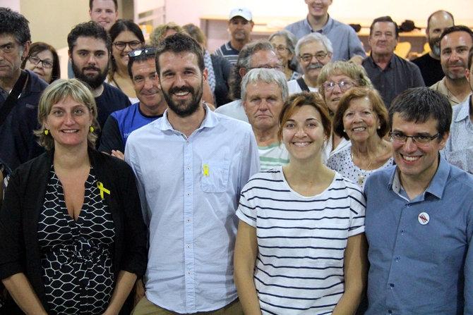 El candidat igualadí d'ERC, Enric Conill, en l'assemblea on va ser escollit, acompanyat d'altres dirigents