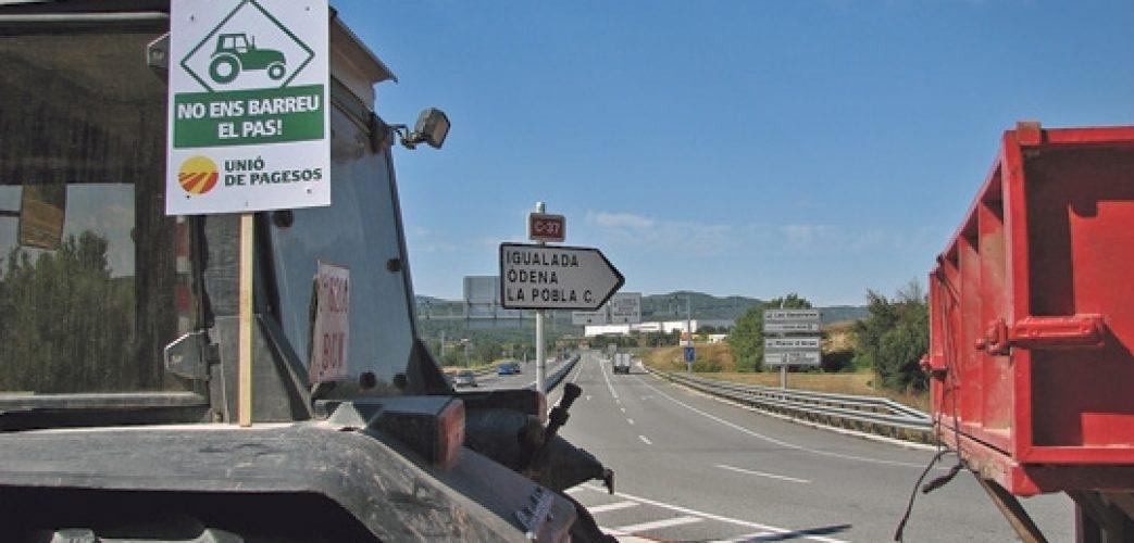 El pas de tractors, per la Pobla de Claramunt FOTO: UP