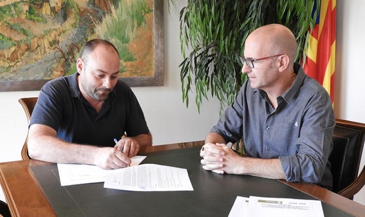 Jaume Guardiola, esquerra, amb l'alcalde Jordi Madrid