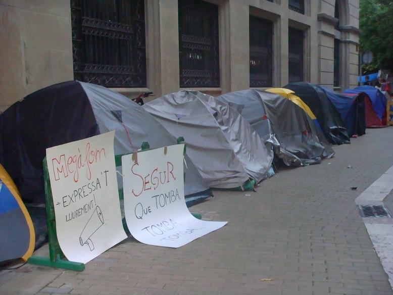 Les tendes de campanya van ser col·locades al carrer del Born