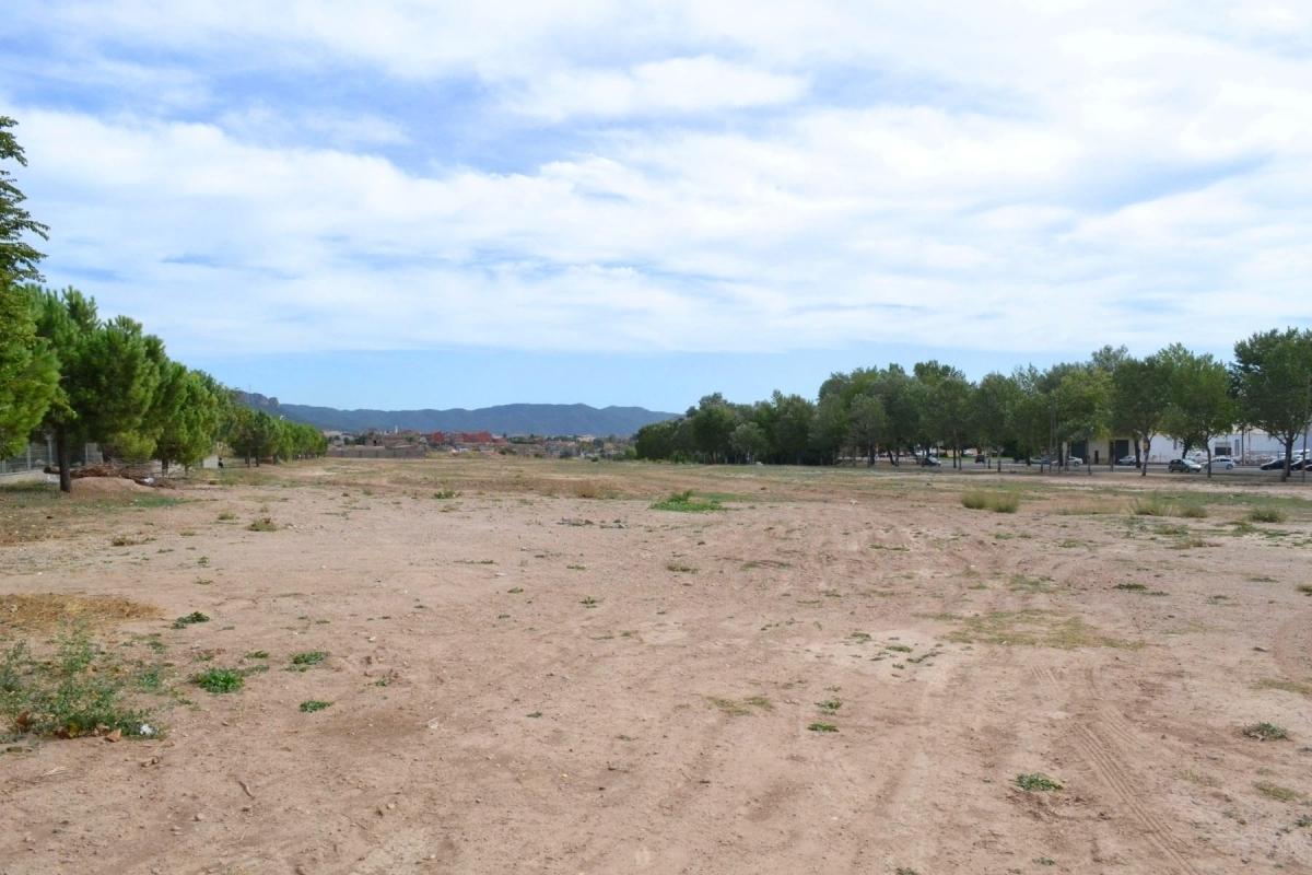 En aquest espai, al costat del Parc Central, s'ubicarà la zona d'esbarjo per a gossos