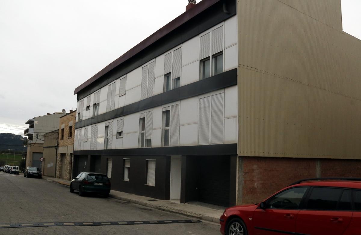 Un dels blocs ocupats al barri Sant Pere