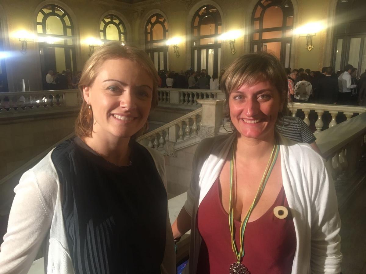 Maria Senserrich i Alba Vergés, dimecres al Parlament (Foto: Toni Cortès)