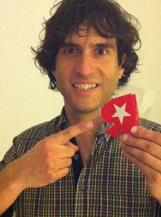 Jordi Riba amb una de les fitxes del torneig