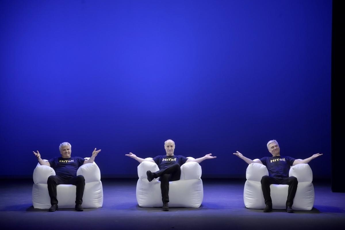 Imatge promocional de 'HITS', el darrer espectacle del Tricicle