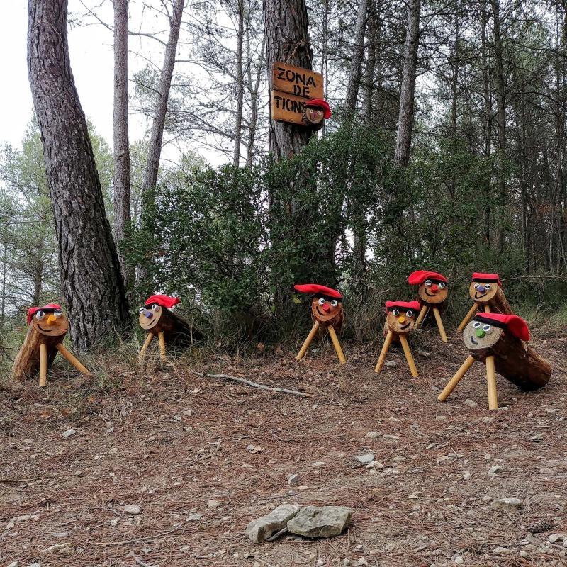 Els tions esperen als boscos