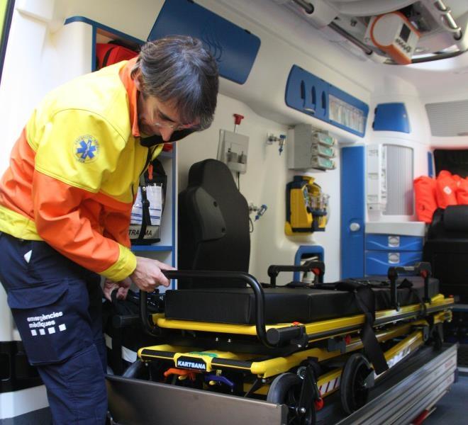 Interior d'una de les unitats de transport sanitari FOTO: ACN