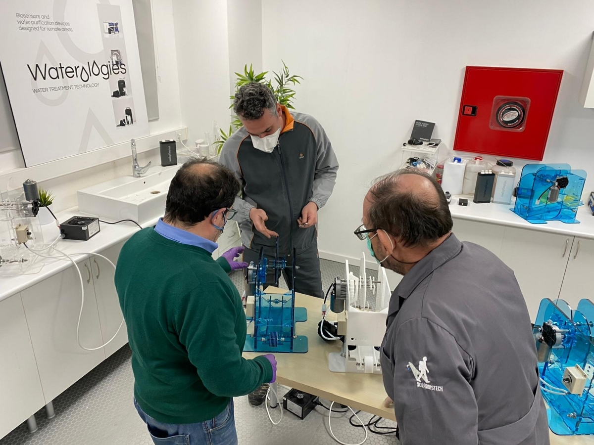 Tres dels enginyers, treballant a Waterologies