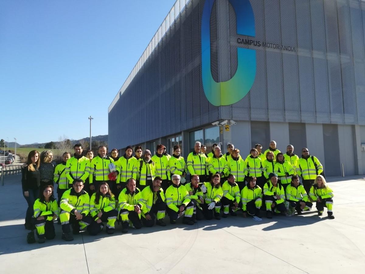 Un grup d'operaris contractats pel Consell, al Campus Motor