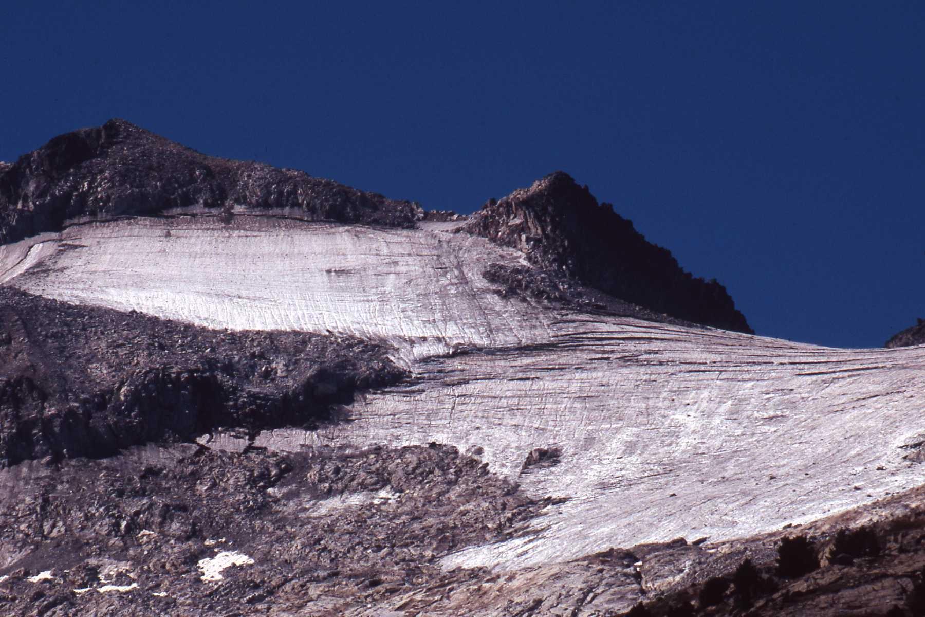 Situació de la glacera de l'Aneto fa 4 anys, a l'estiu del 2005