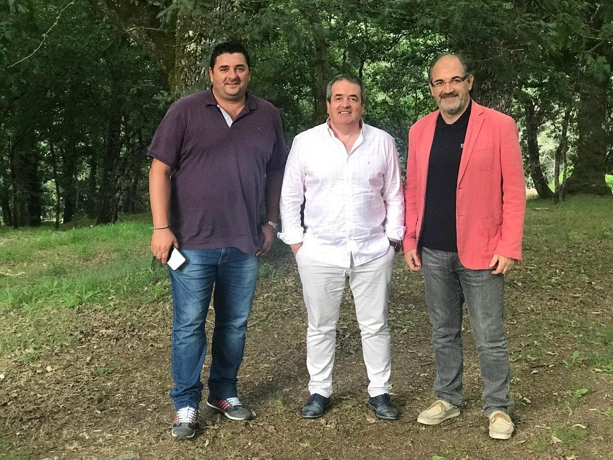 Jorba, a la dreta, amb els responsables del Lugo
